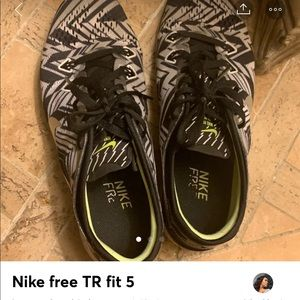 Nike free tr fit 5 tennis shoes